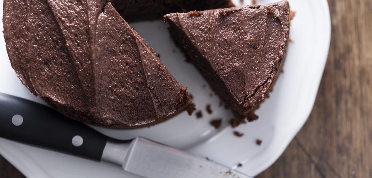Oppskrift på nydelig mørk sjokoladekake uten mel