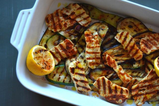 Grillede squash og aubergine med halloumiost