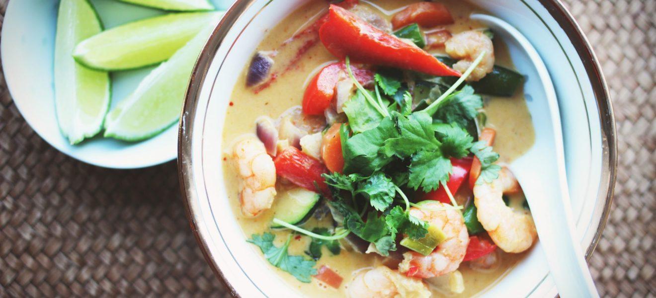 Rød curry med scampi & grønnsaker