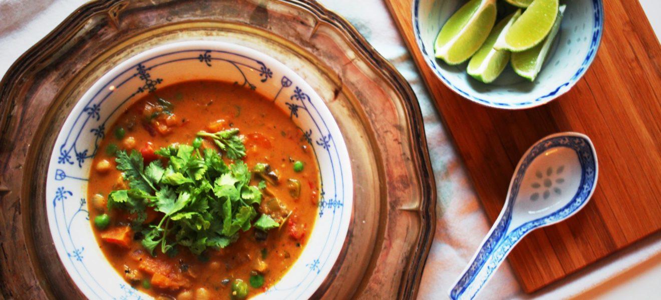 Spicy thaigryte med tomat og aubergine