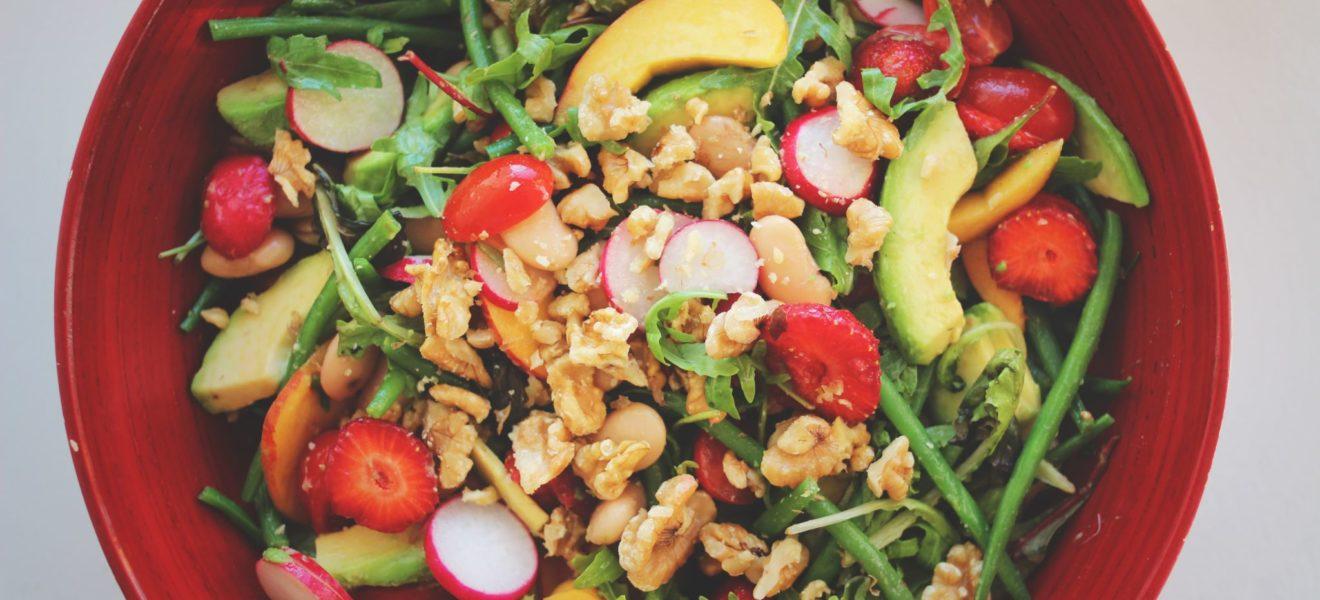 Sommersalat med jordbær & feta
