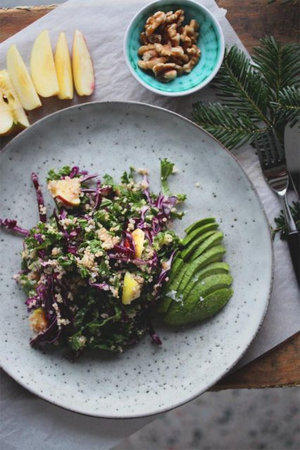 grønnkålsalat som tilbehør til julematen