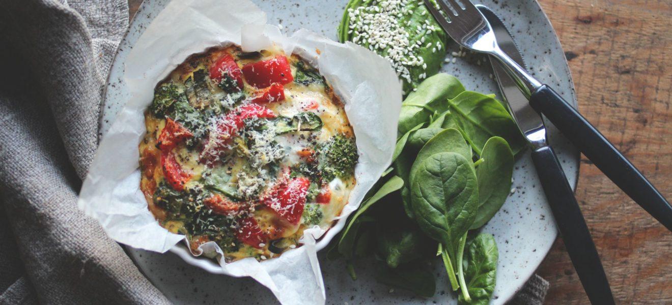 Ovnsbakt omelett med grønnsaker