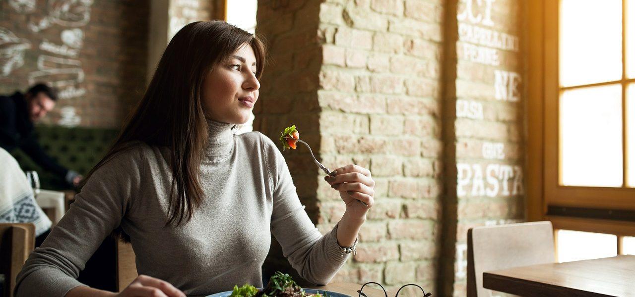 Hvordan ha et sunt og balansert forhold til mat (Del 2 av 3)