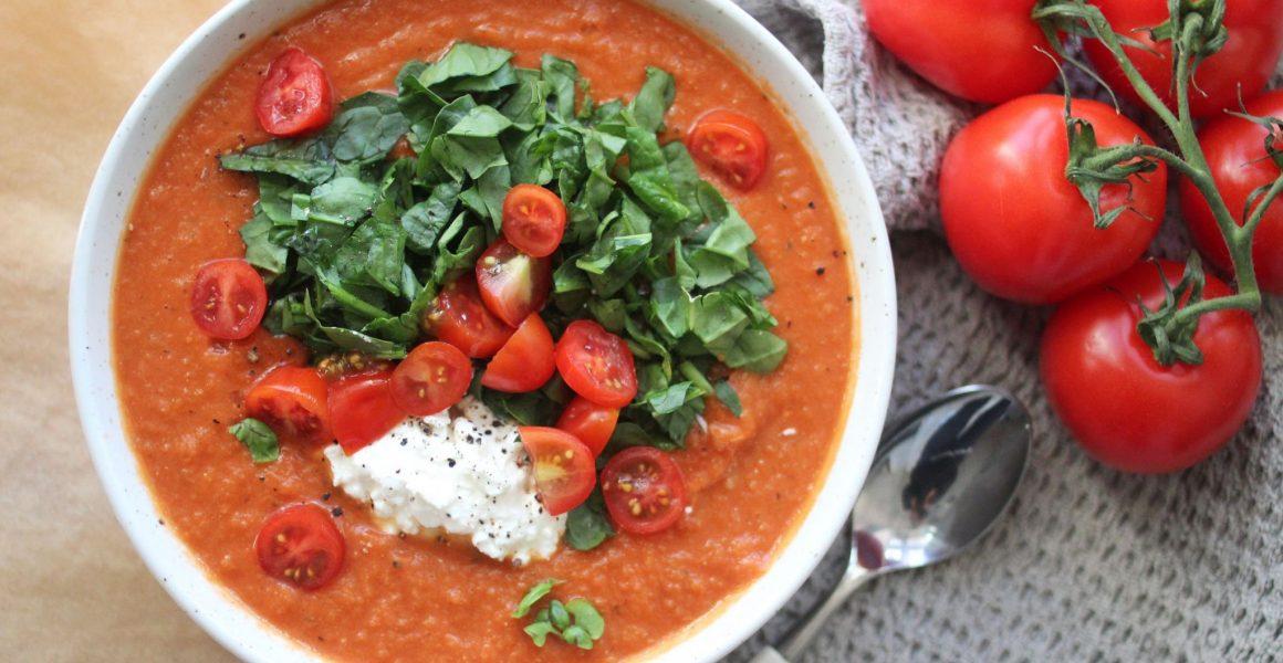 suppe tomat og sellerirot basilikum