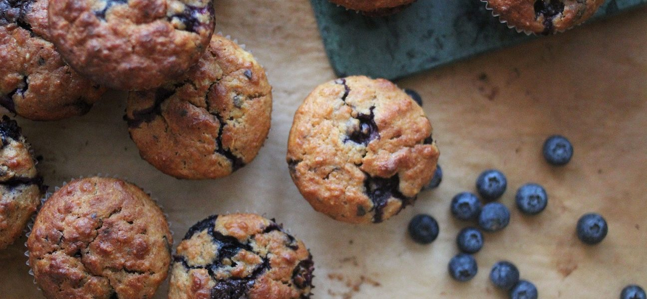blåbærmuffins bakst med blåbær