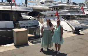 kvinner på sommerferie, brygge yacht