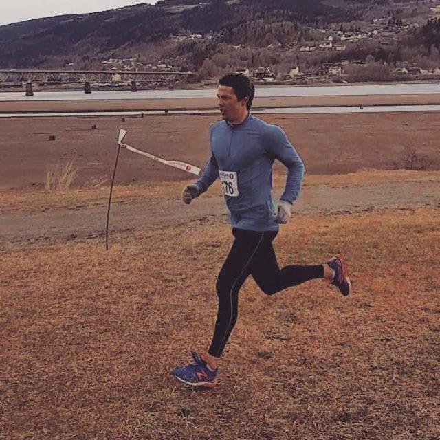 Magnus løper vekk fra frykten