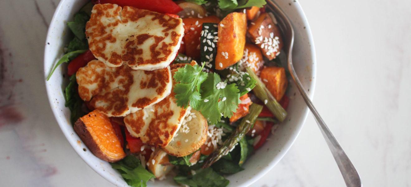 Halloumisalat med grillede grønnsaker