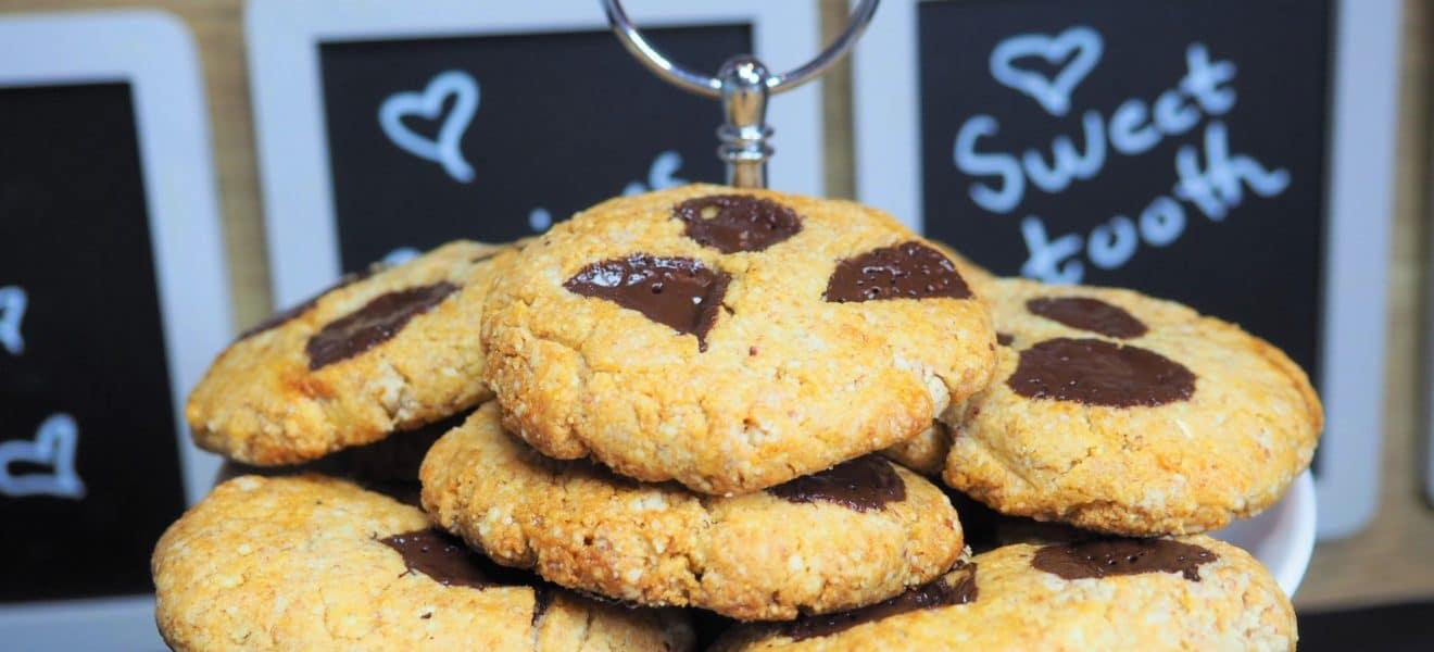 Oppskrift på cookies med peanøttsmør og sjokoladebiter