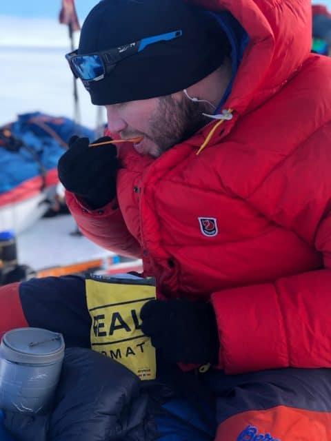 spisepause på tur over grønland