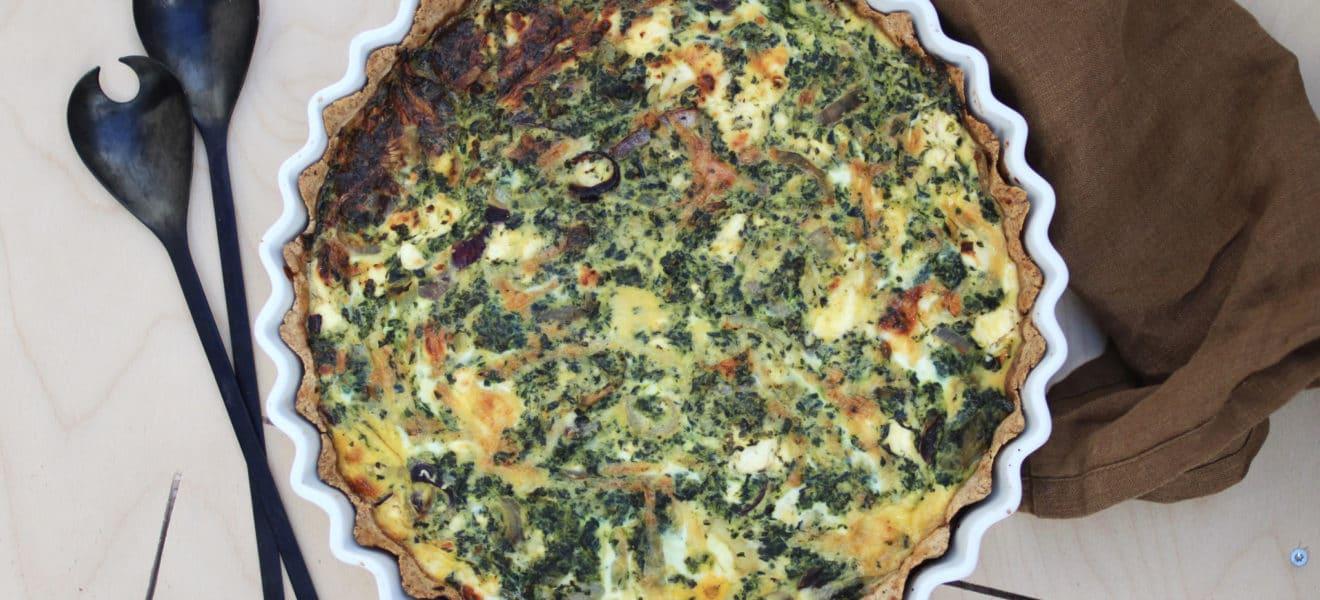 Grov pai med spinat og fetaost