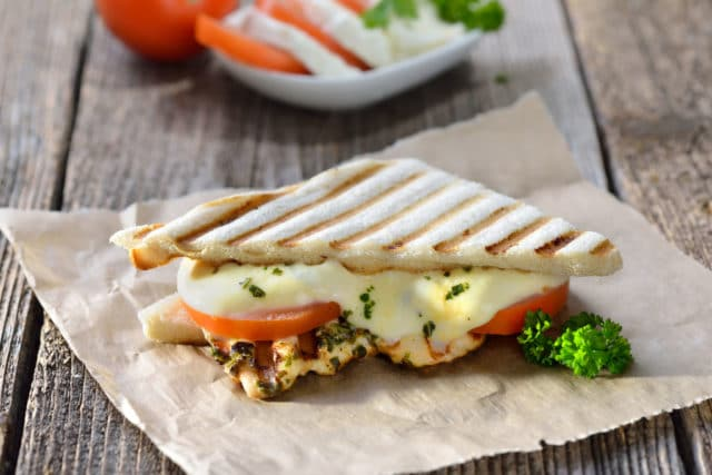 Kjære toasten min, en deilig panini toast med smeltet ost