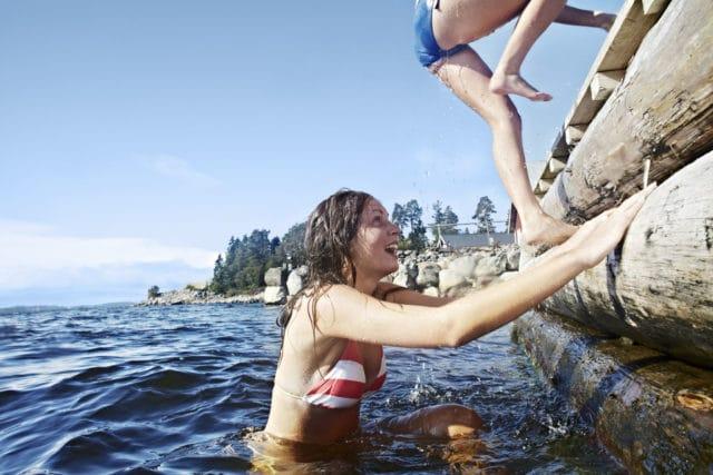 diabetesen får litt mindre fokus på sommeren, men pass på pumpe når du bader