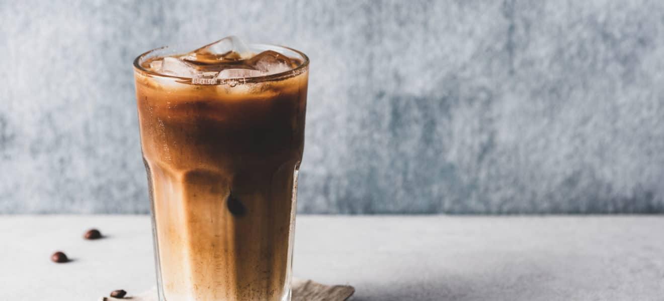 Leskende sukkerfri iskaffe
